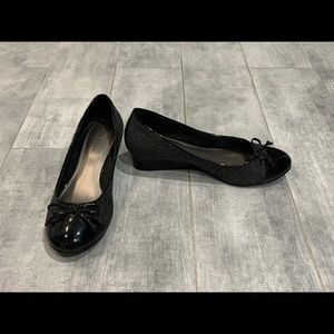 Kelly & Katie Black Gray Madras Shoes 8.5